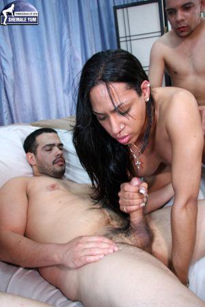 Brazilian Transsexual Julissa gets gangbanged